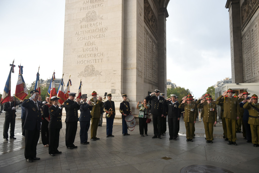 NZDF Somme contingent participate in the Flame Ceremony at the Arc De Triomphe.